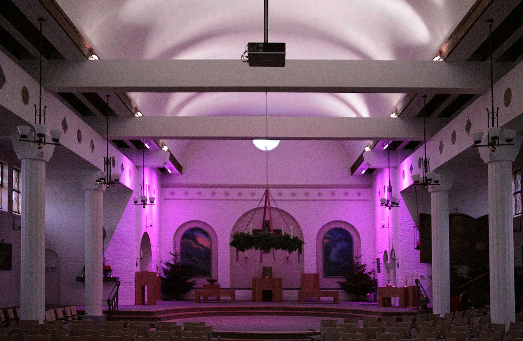 Kerk heeft rood streepje voor   Damme   Regio   HLN